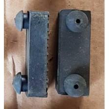2 caoutchoucs rectangulaires silenblocs pour siège EGL Madmax